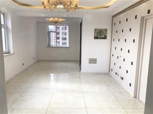 泰景山城婚房小区中心位置精装修包入户!