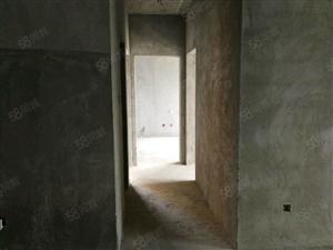 央企大盘保利江语城,小三室,采光好、户型方正!有钥匙