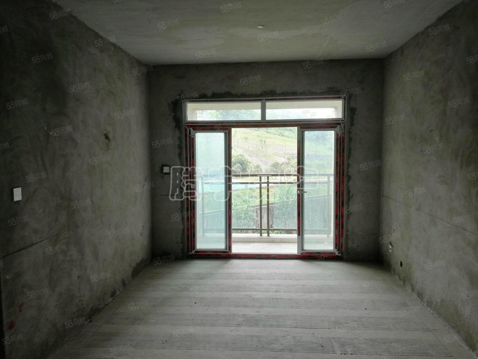 绿地海域6000平米4室2厅2卫的电梯房,仅此一套,