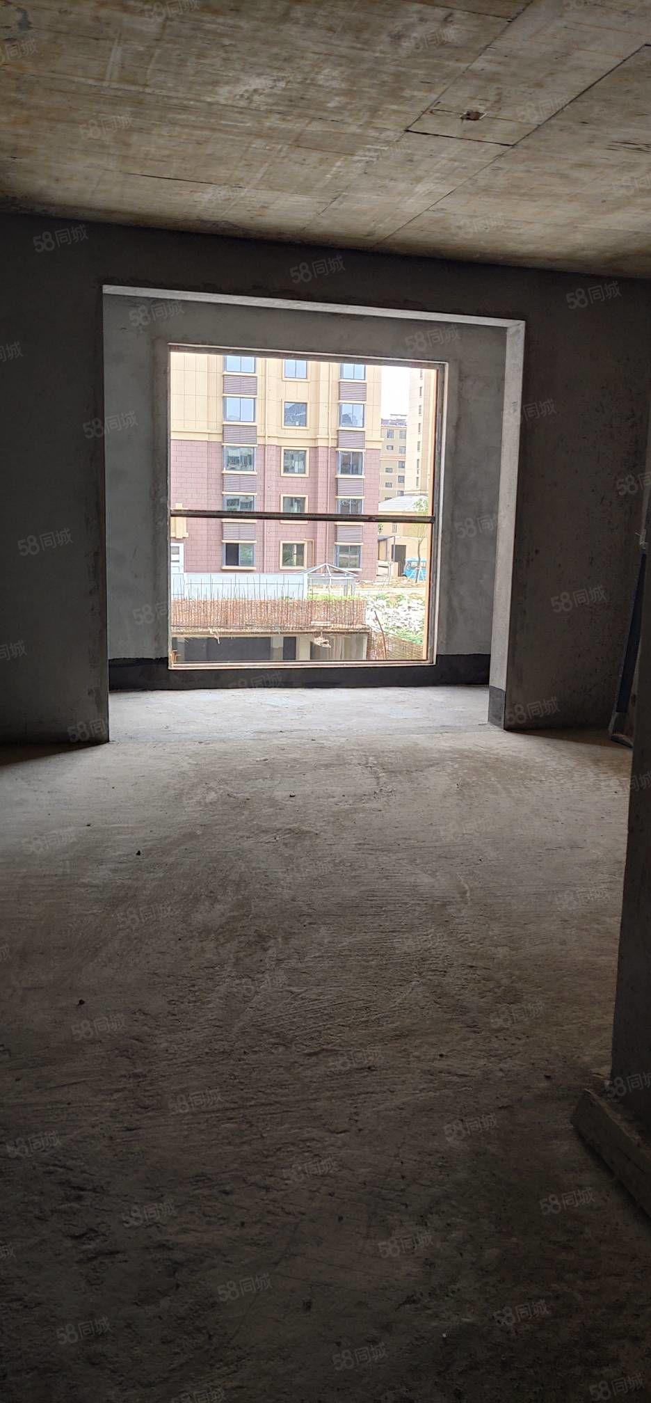 澜庭湾108平方三室2厅带地下储,双学区位置好,随时看房