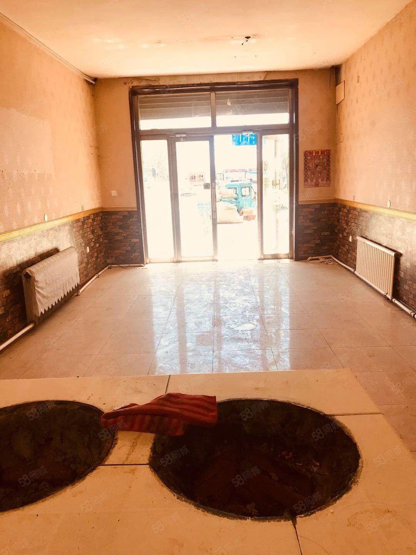 车站附近,正街门市,1越2楼赠送地下室,可开旅店早餐。