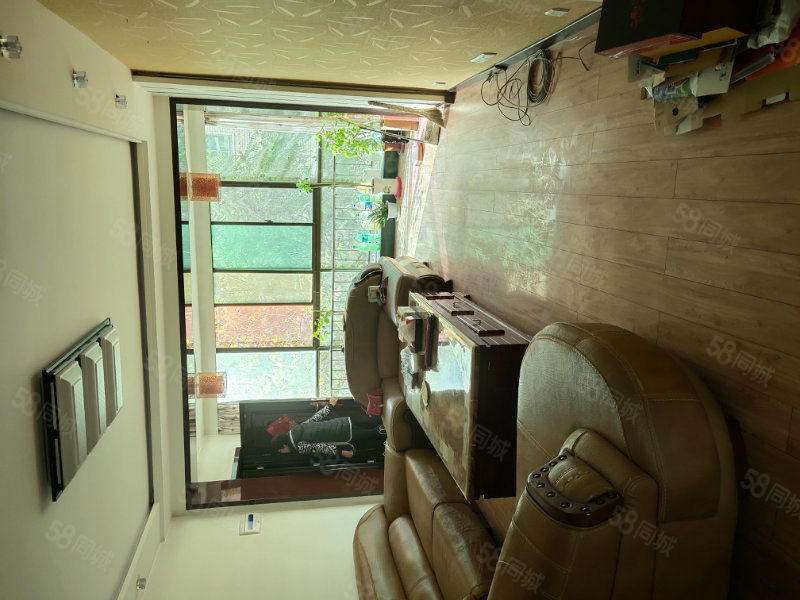 天一时代城郁金香3楼3居室好房出售