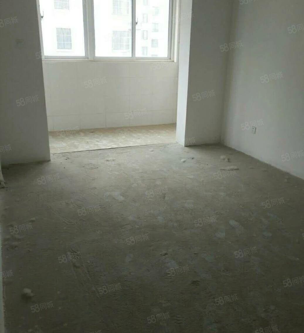 均价5500平方水榭花都准现房下年交房能贷款就6套