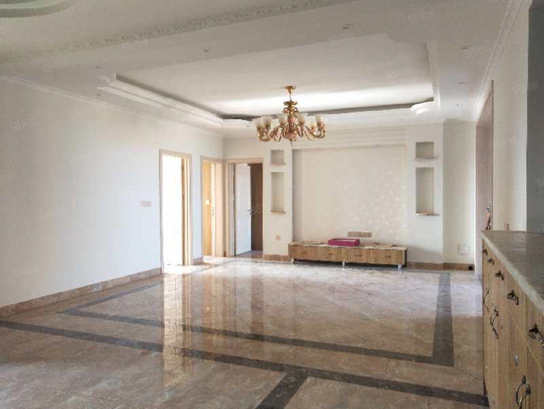 城西正读附小高端楼盘住家精装三室急用钱随时看房