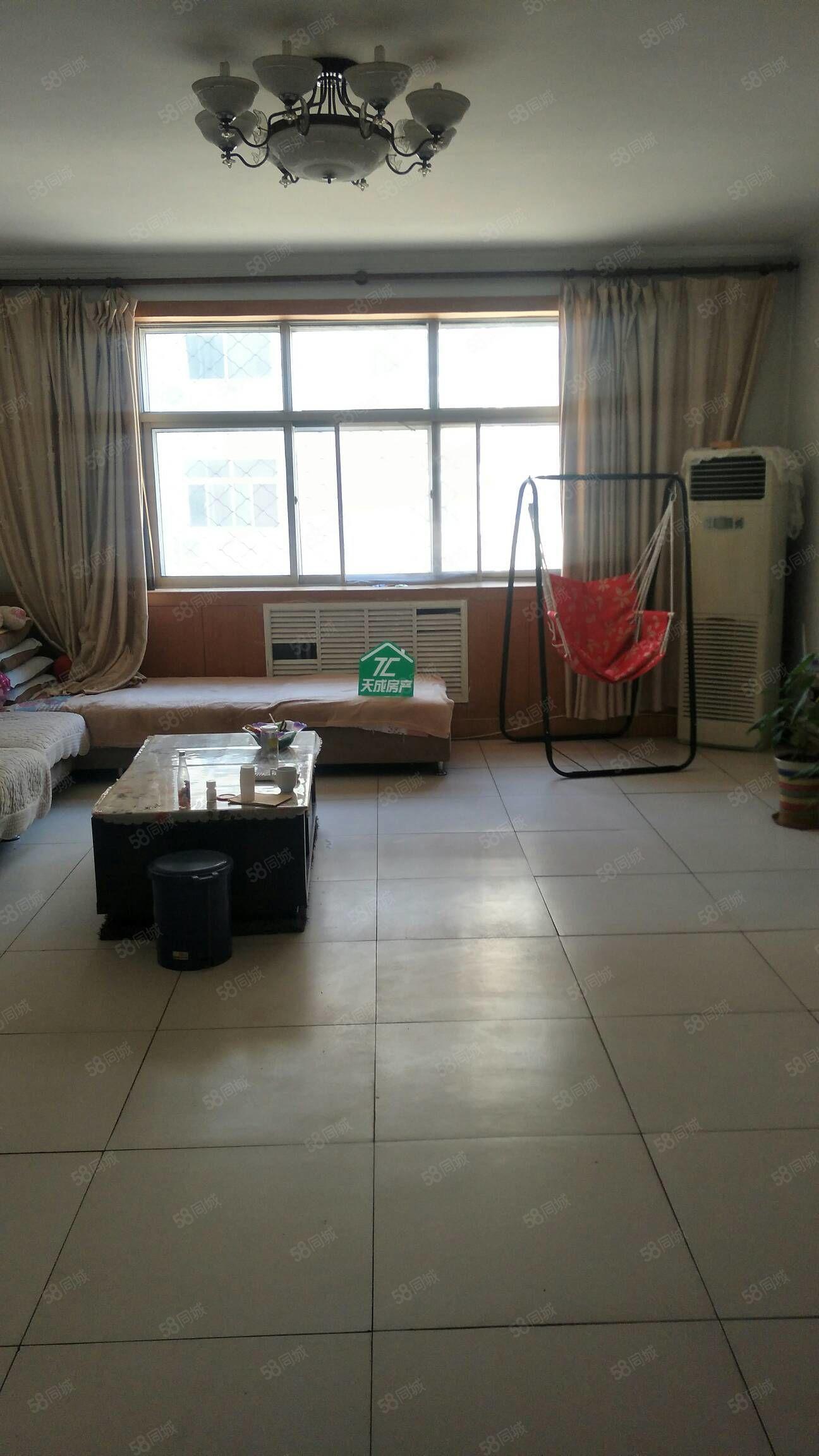 低低低64万怡馨园精装三室好楼层带大车库