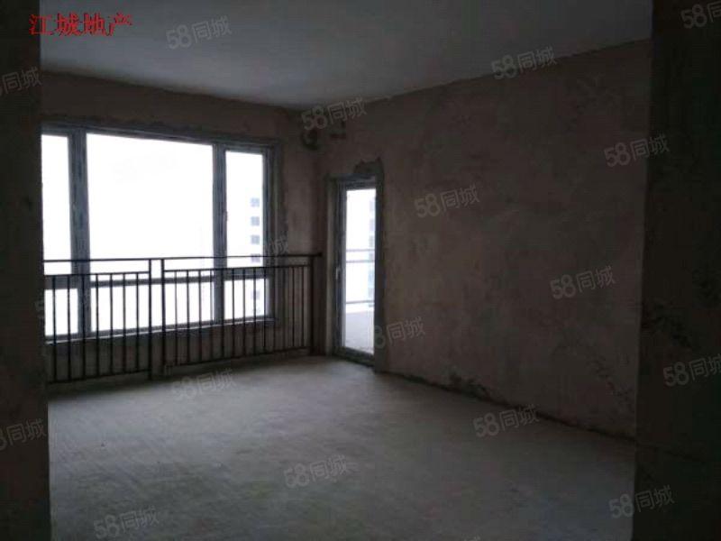 铜仁万山区万和星城电梯房毛坯3房2厅2卫有钥匙急售