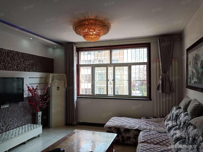 出租,人民公园附近两室两厅精装修家具家电齐全拎包入住