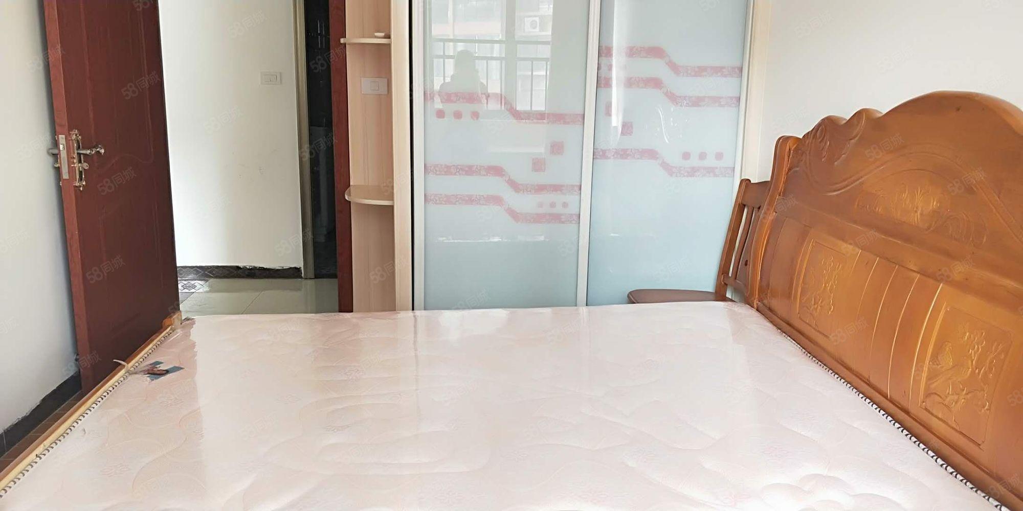 1.4万容邦旁江南尚城精装两居室,首次出租拎包入住