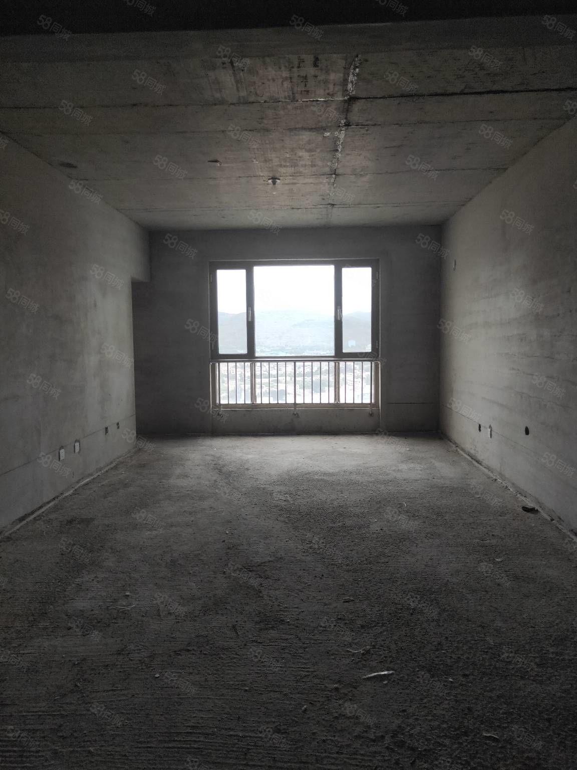 中恒水岸18楼144平米3室现房毛坯付现款69万元顶层56万