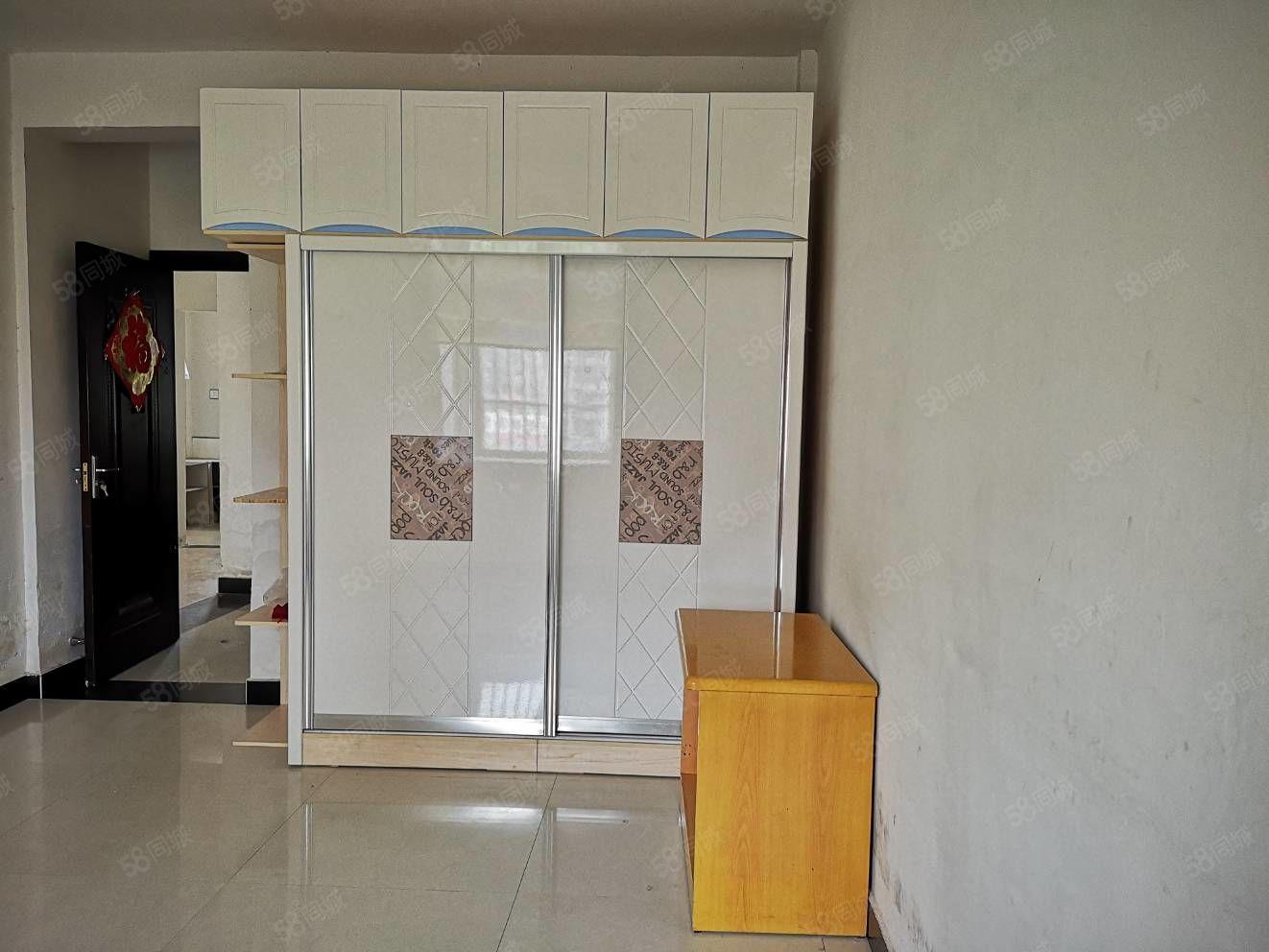 祥和莊園二期新一中附近簡單裝修兩室一廳價格可以