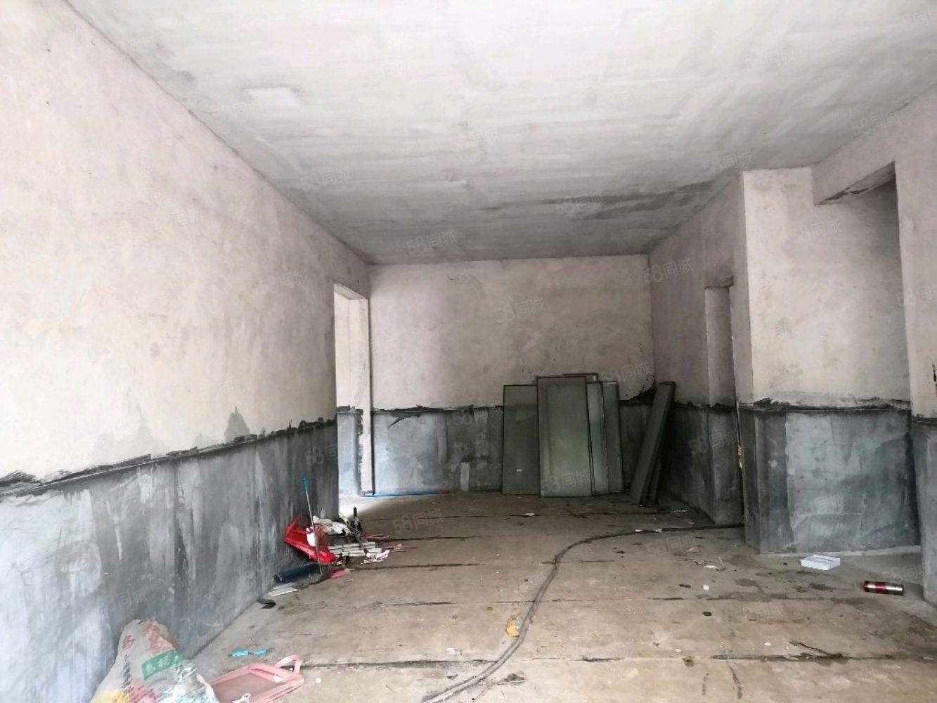 江城推荐松桃县医院旁边御龙豪庭毛坯房出售