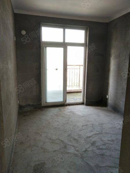 出售:邵陵汾河上的院子电梯房三室107平方毛坯南北通透63万