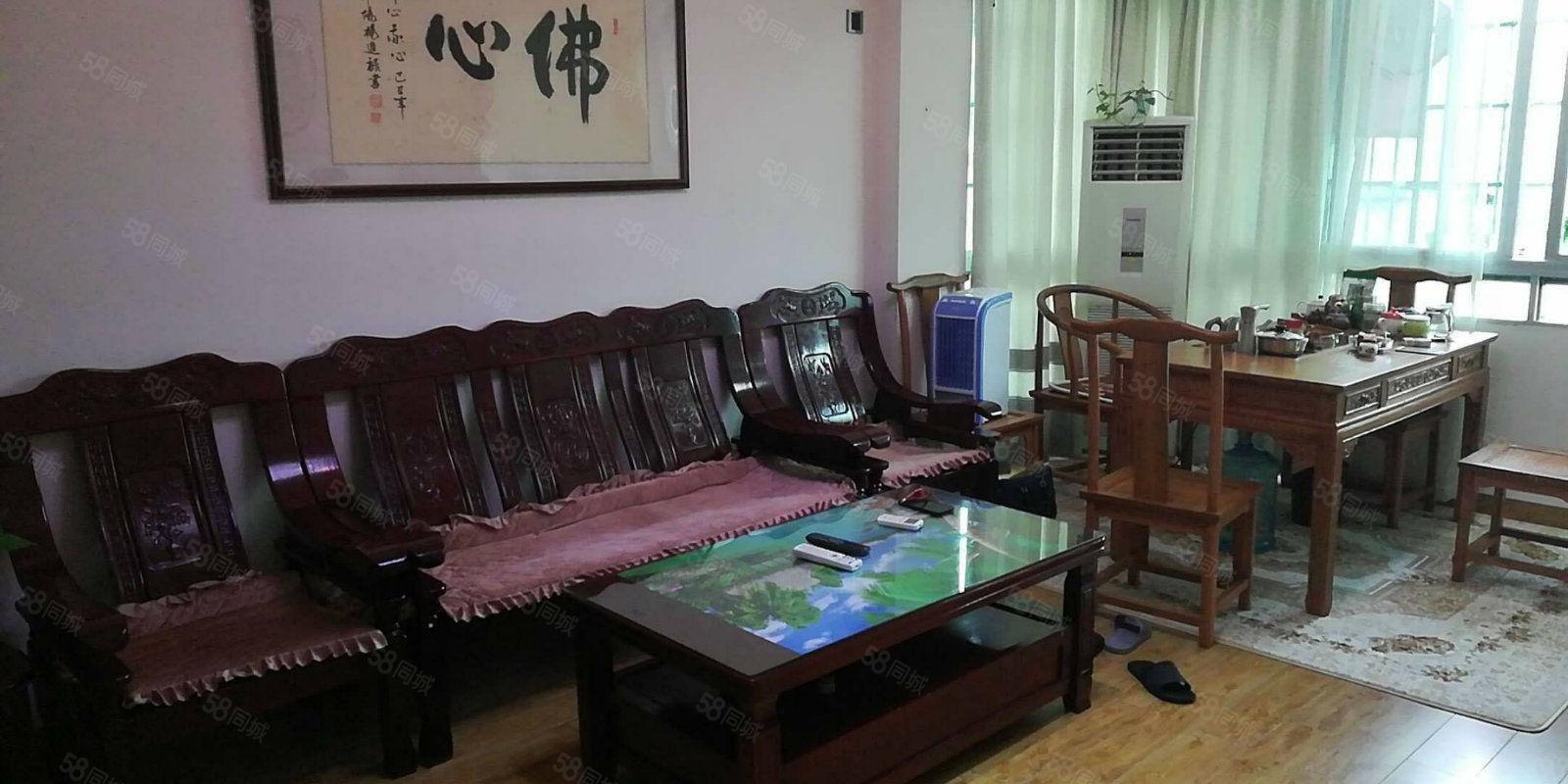 银海路两房出租家具家电齐全使用面积大长租短租均可