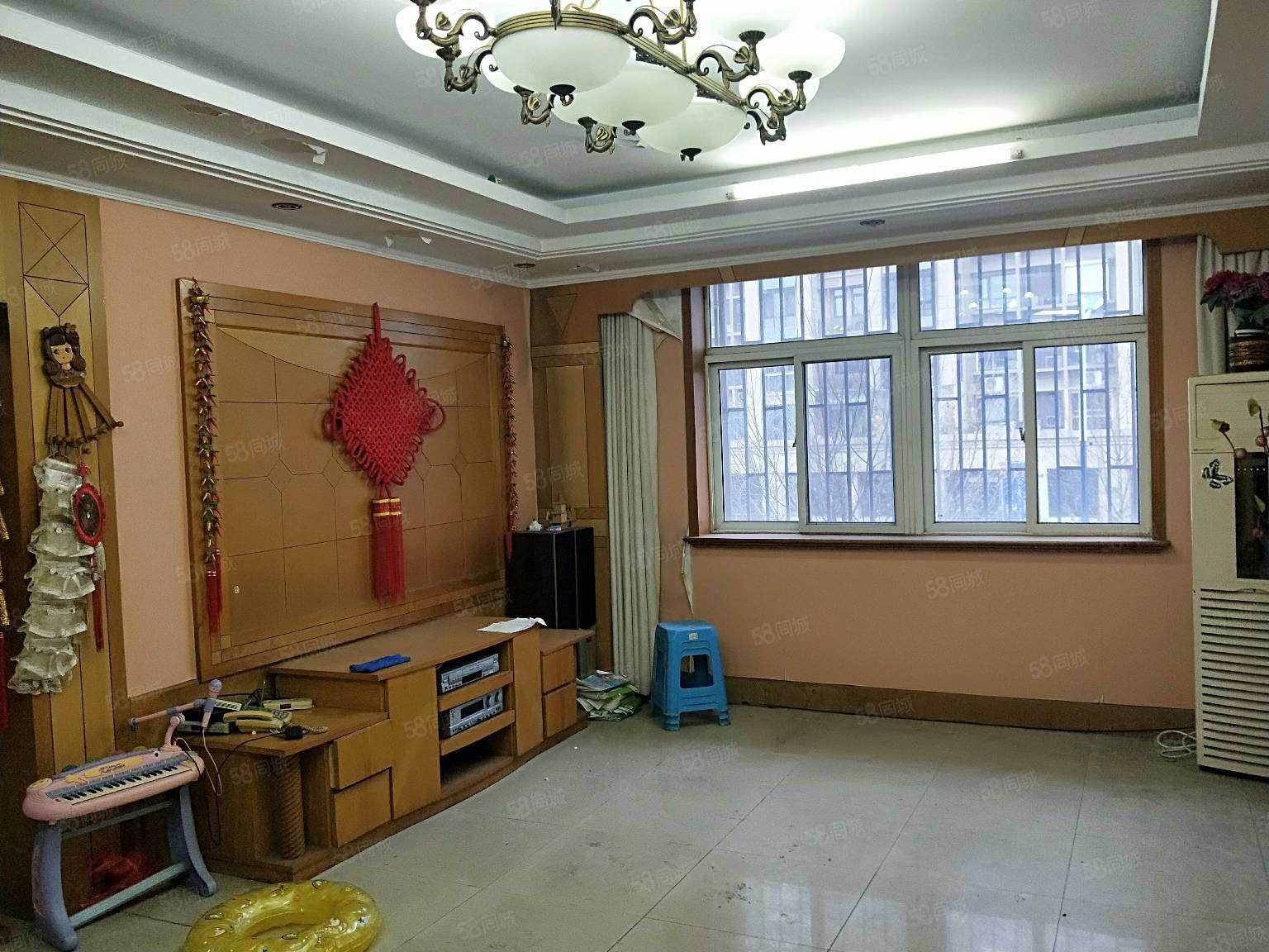 柳竹北区3楼三室二厅二卫中装修+储藏室