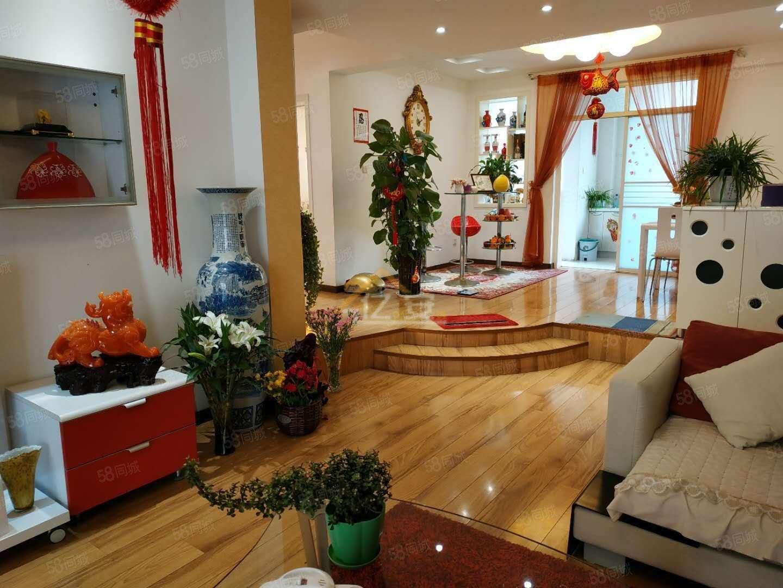金山路双汇国际花园二楼,三房豪装,带家具家电