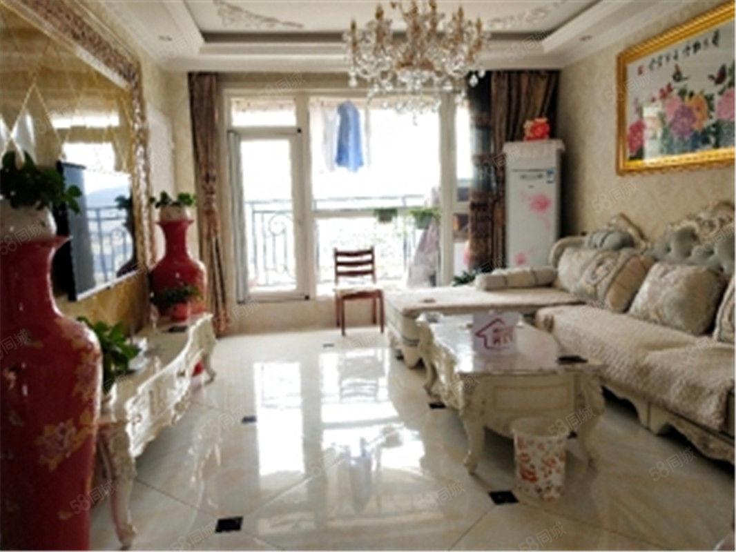 万达广场附近精装修南北通透五明户型三室两厅,赠家私一眼即中!