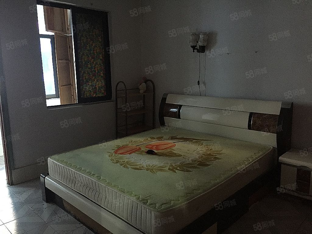 房东诚心出售轴瓦厂宿舍可改三室满两年可按揭随时看房