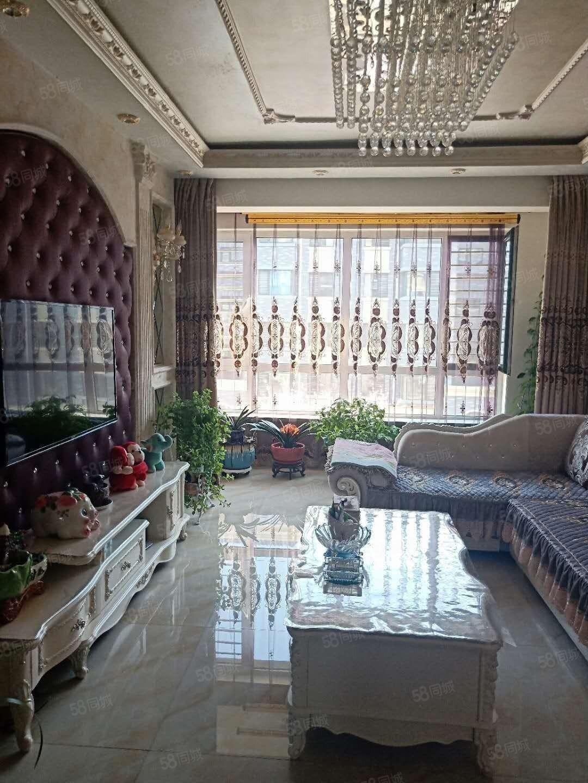 天驕華府3樓精裝修兩室一廳79平拎包入住
