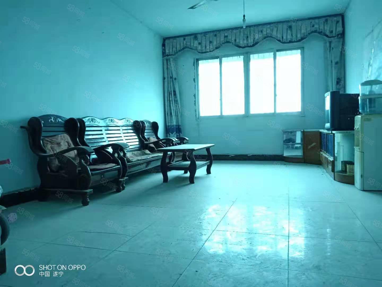 电江路龙王井附近750元3室2厅1卫普通装修,上班族的