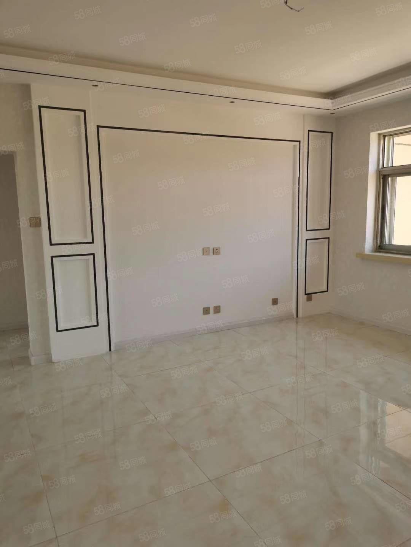 工商局家属院4楼,精装修地暖,带下房,满五唯一