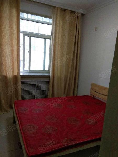 江夏两室中装可按揭面积小实用两室交通便利