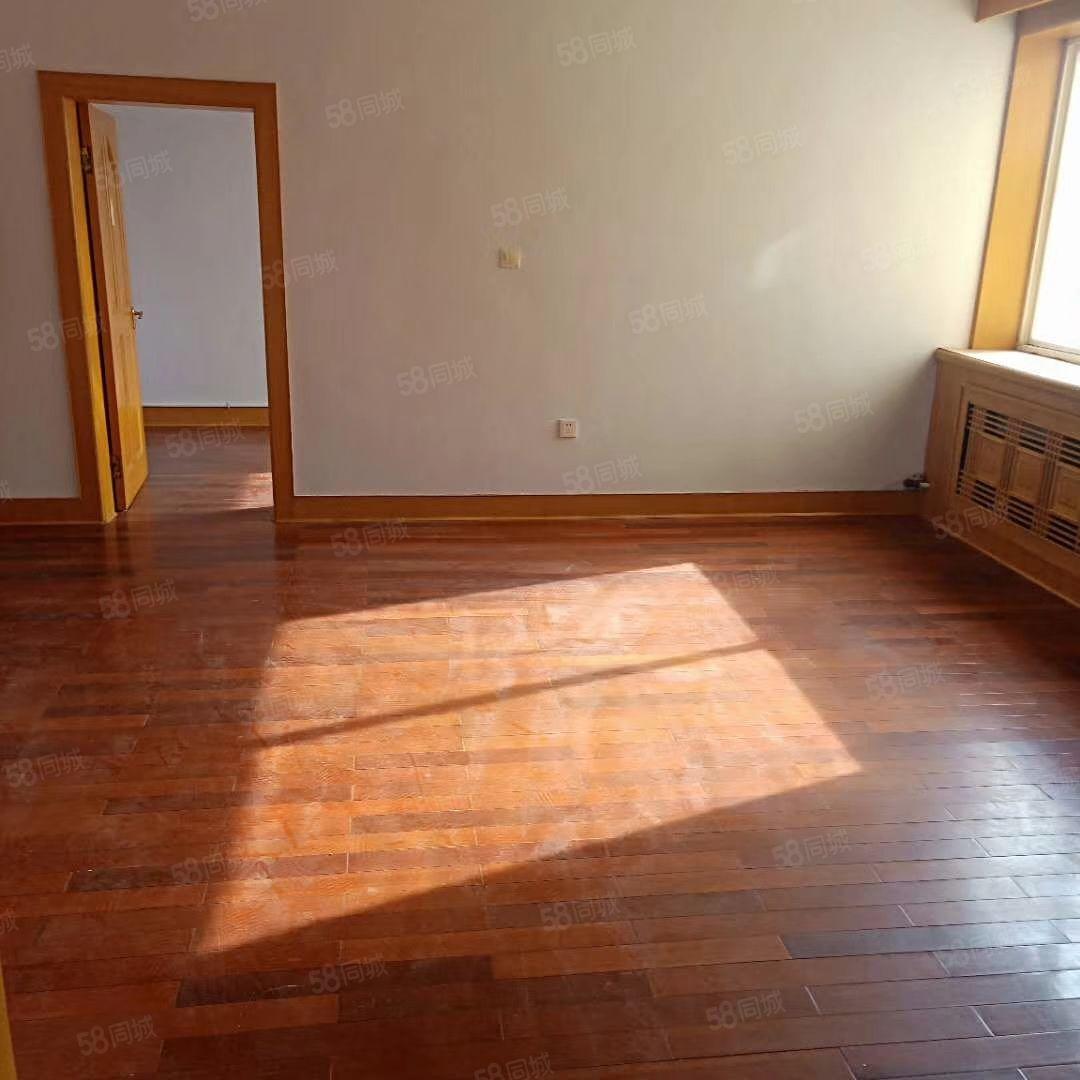 滨河小区4楼100平中等装修三室两厅一卫38万