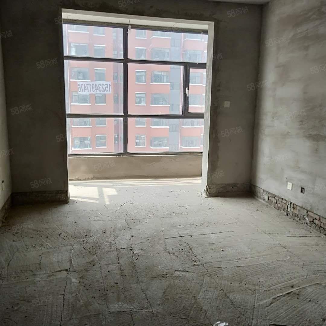 金玉理想山頂賬房113平中層售價36.8萬