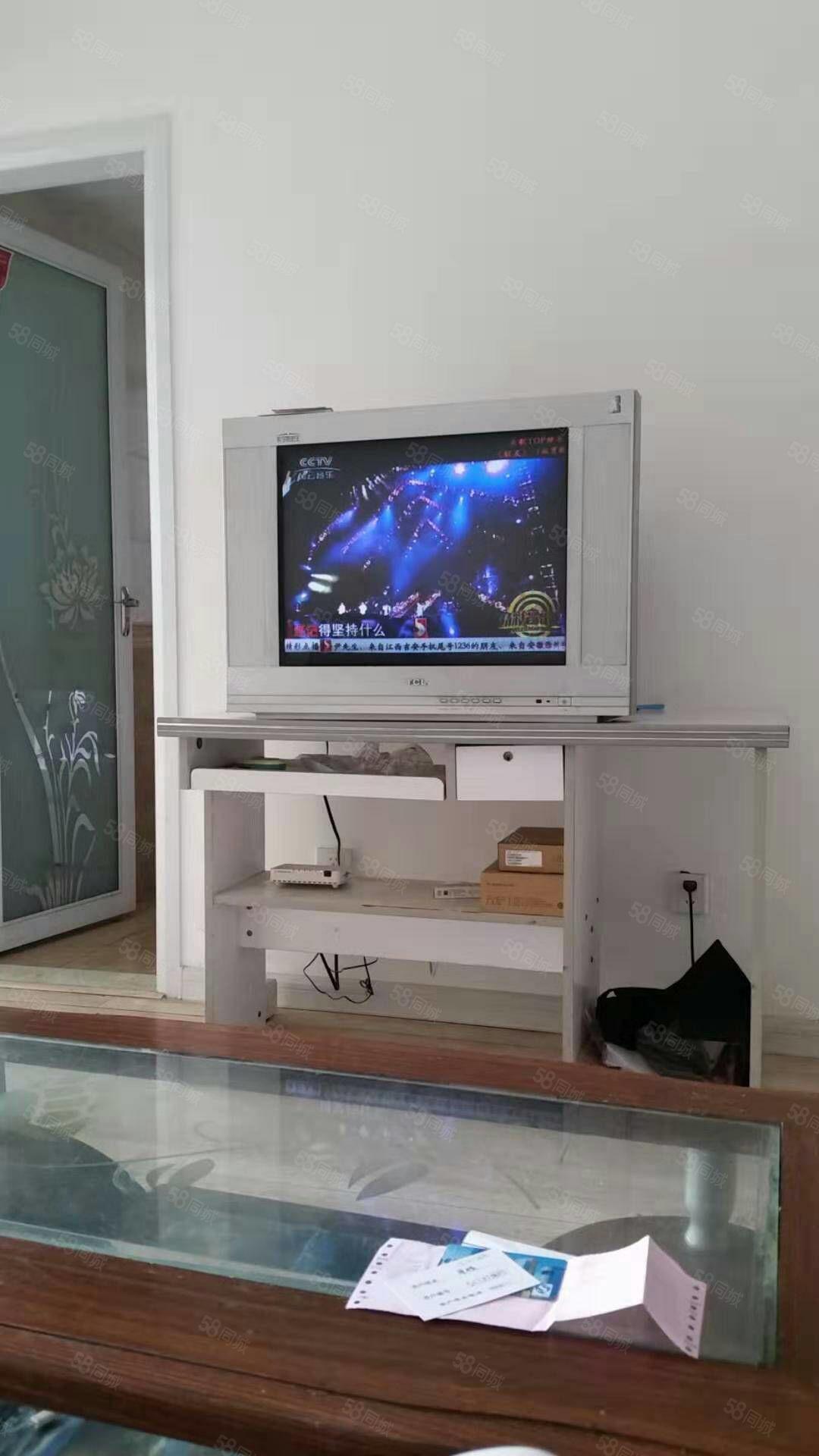 上海城精装修拎包入住,两室,看房方便