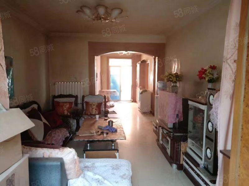 小南街十中好房出租3樓3居室帶家具家電拎包入住