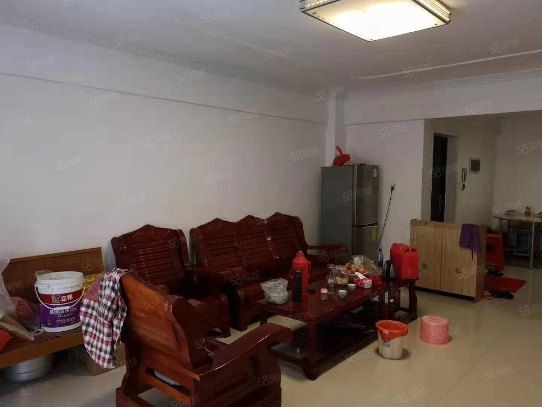 丽水鑫城套房,3房加杂物间,中等装修拎包入住
