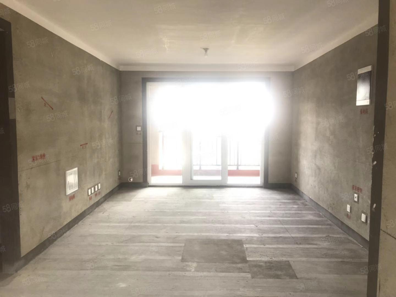 人工湖建业城10楼143平3室2厅2卫毛坯72万