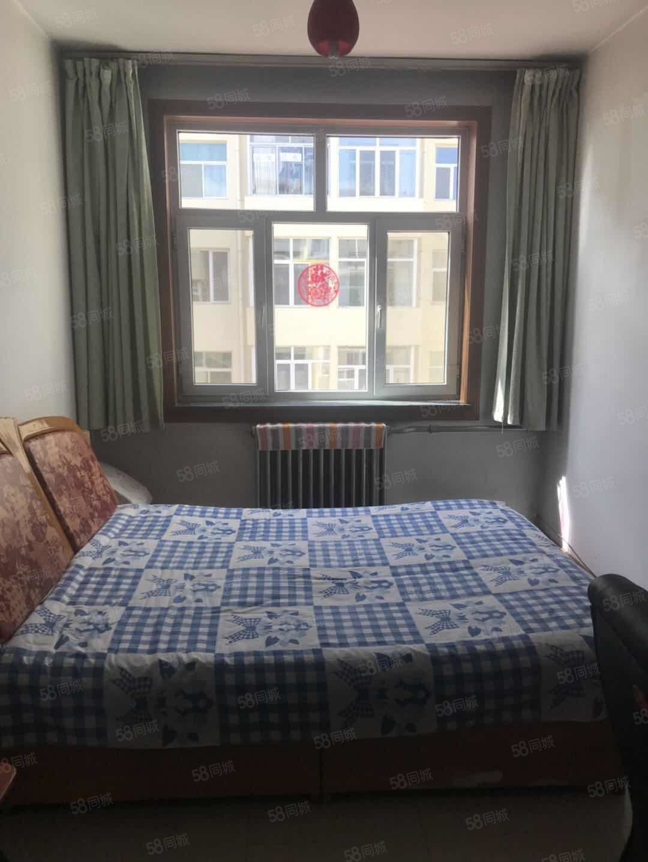 五小.四中片4室2廳2衛2陽臺72萬元急售帶25平米地下室