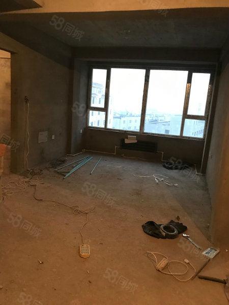 水岸华城6楼77平带60平阁楼无大税南北通透全明户型