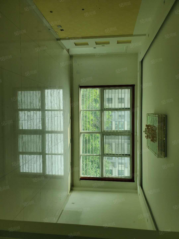 利津西湖春天150平带车库精装修三楼位置好靠近学校
