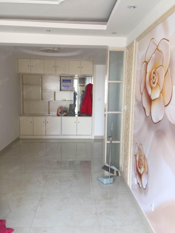 香格里拉精装两居室电梯房家具家电齐全带大储藏室
