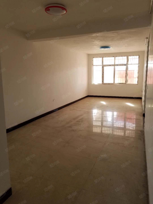 城内中学电梯家属楼3室2厅2卫新装修未入住