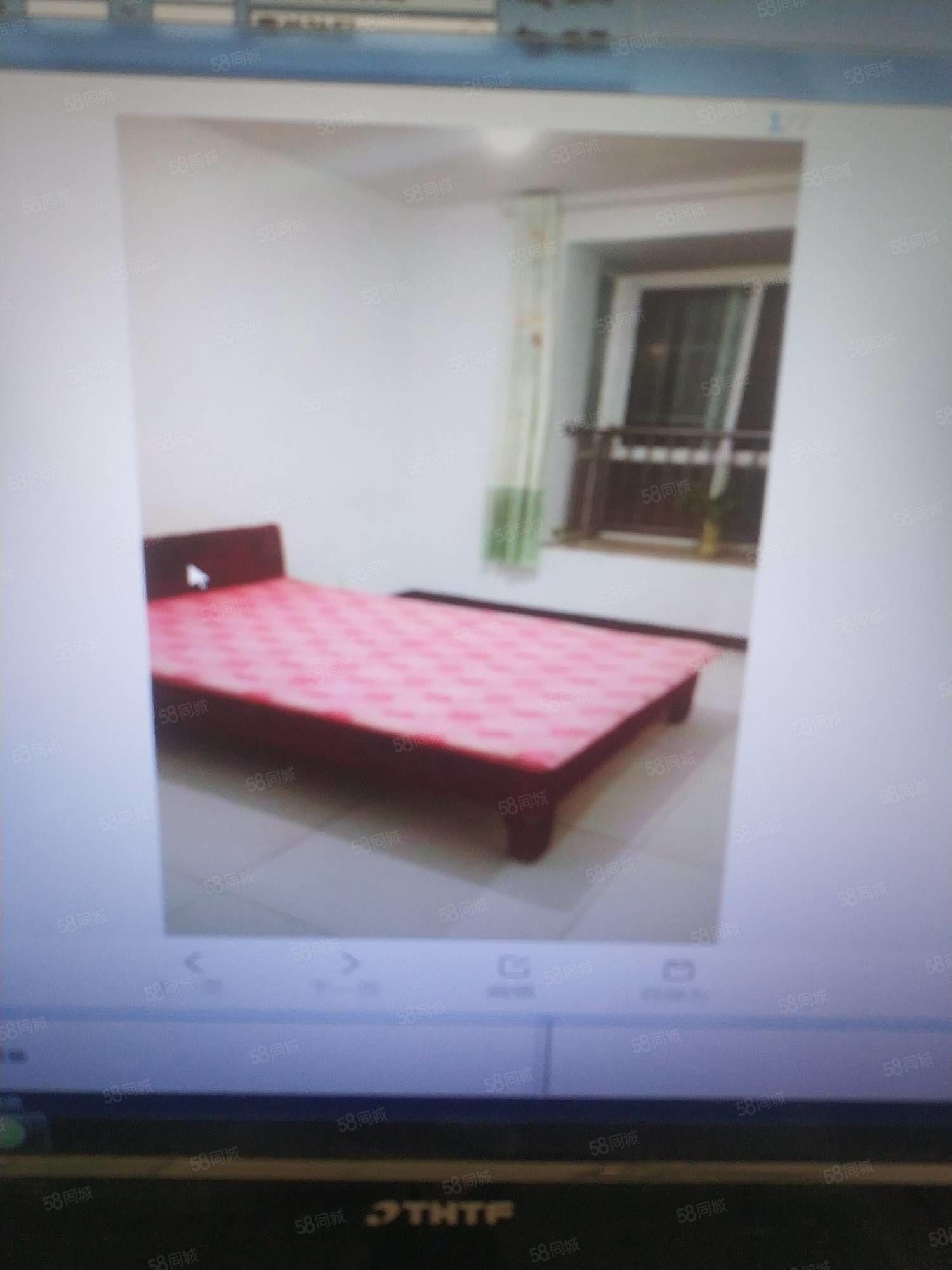 梅溪馨居三室两厅一卫,简单装修干净卫生,家具家电齐全拎包入住