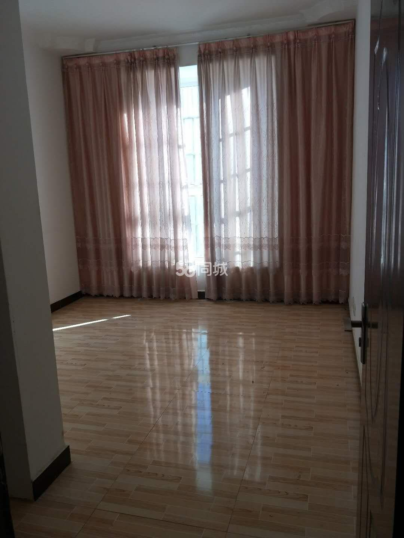 青峰路3室2厅2卫