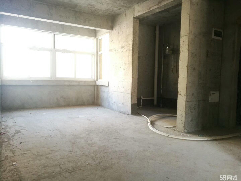 实验中学旁大四居改善住房,3代同堂,黄金楼层