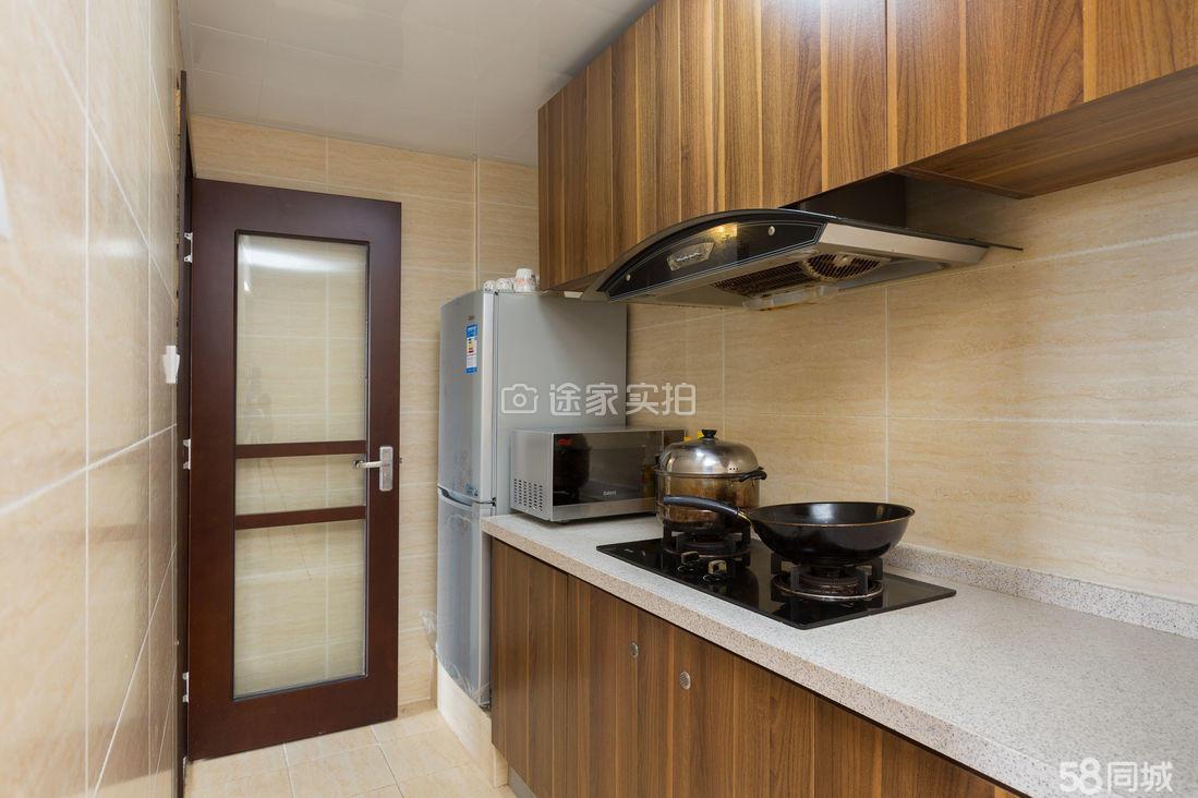 两房两厅,家具齐全,精装修,转手