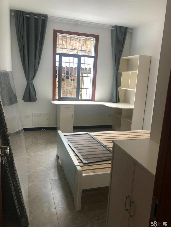 叶坦二室一厅一卫使用面积70平方柴间5平方