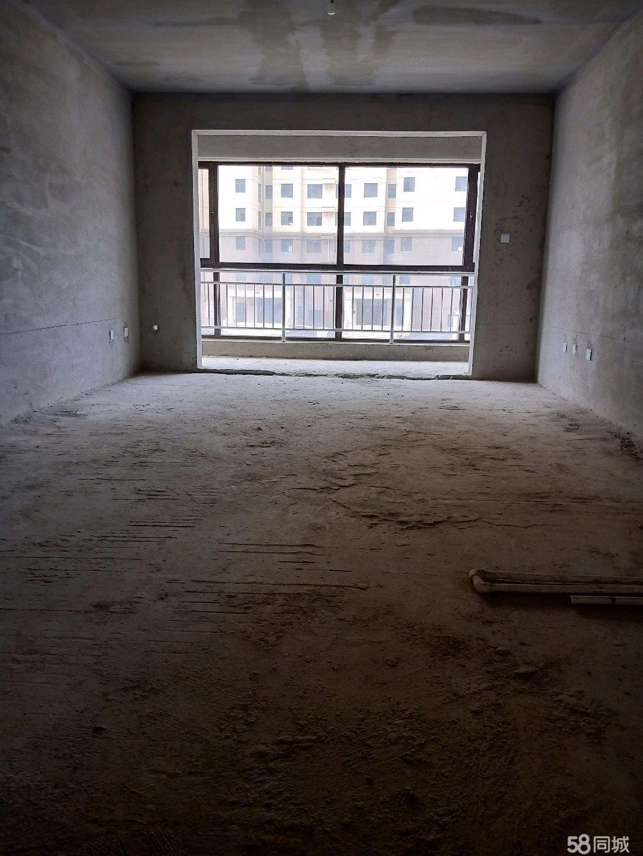 碧水云天电梯低层三室二厅毛坯房