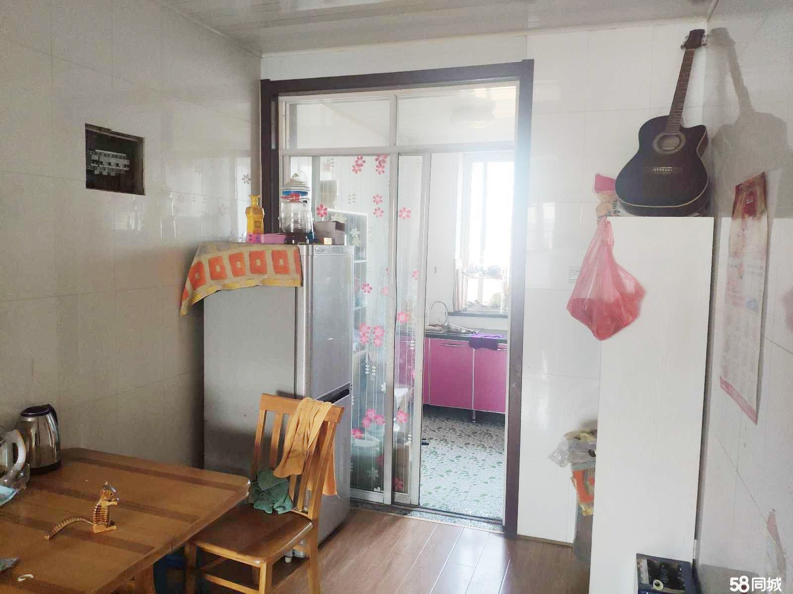 卢龙阳光水岸2室1厅1卫93平米个人非中介六楼