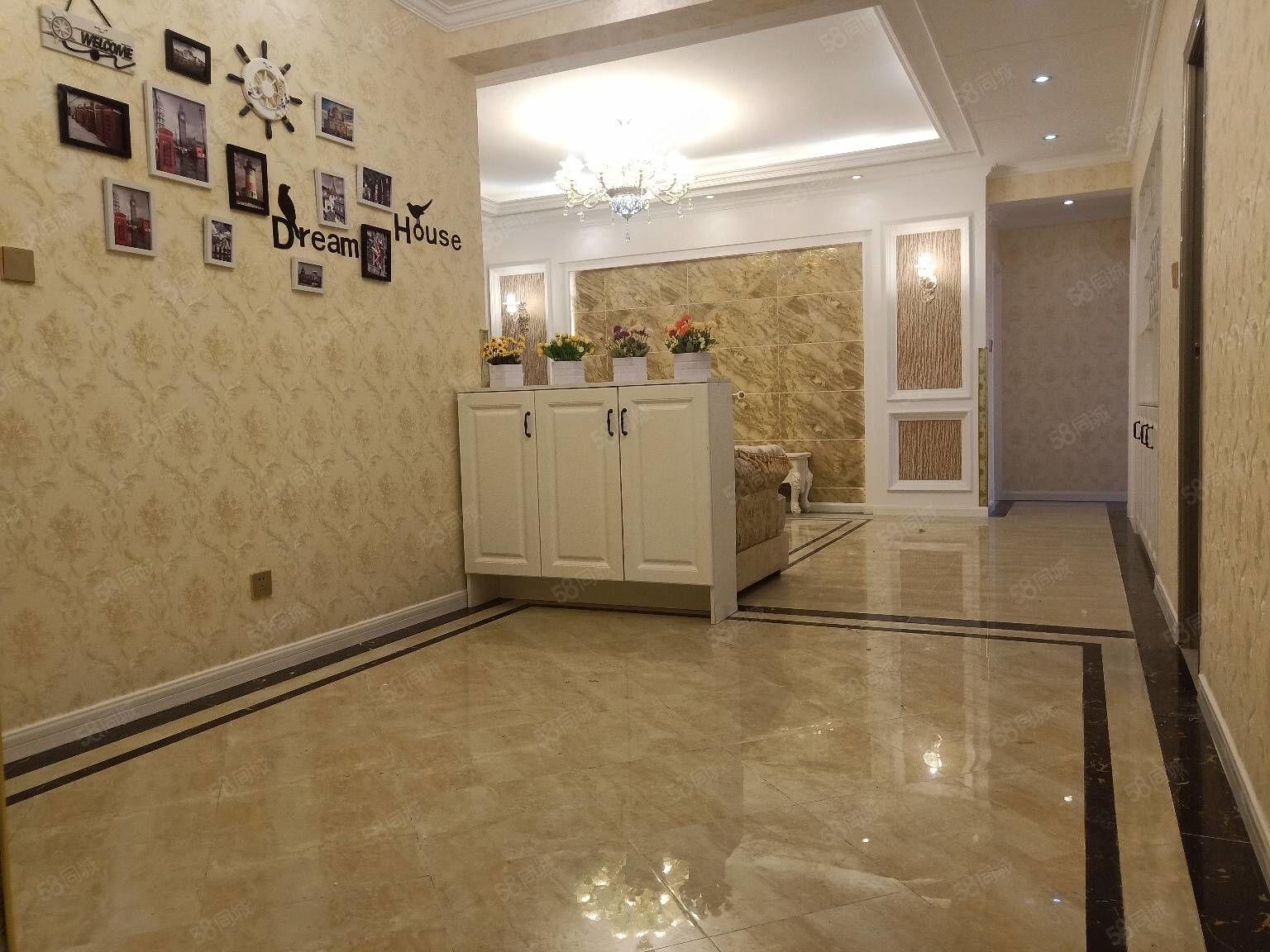 枫尚领域三期三房户型方正精装带家具可按揭拎包入住