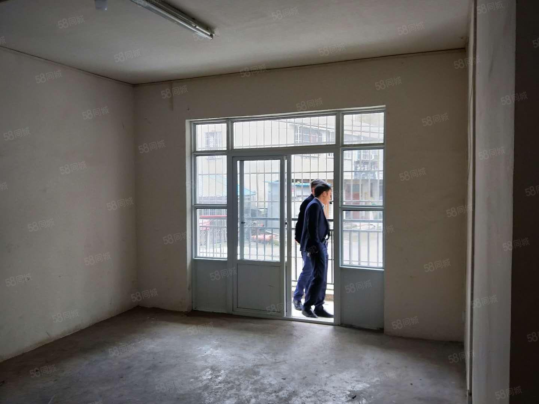 交通局旁教育局宿舍步梯2�敲�坯113平米�u34.8�f
