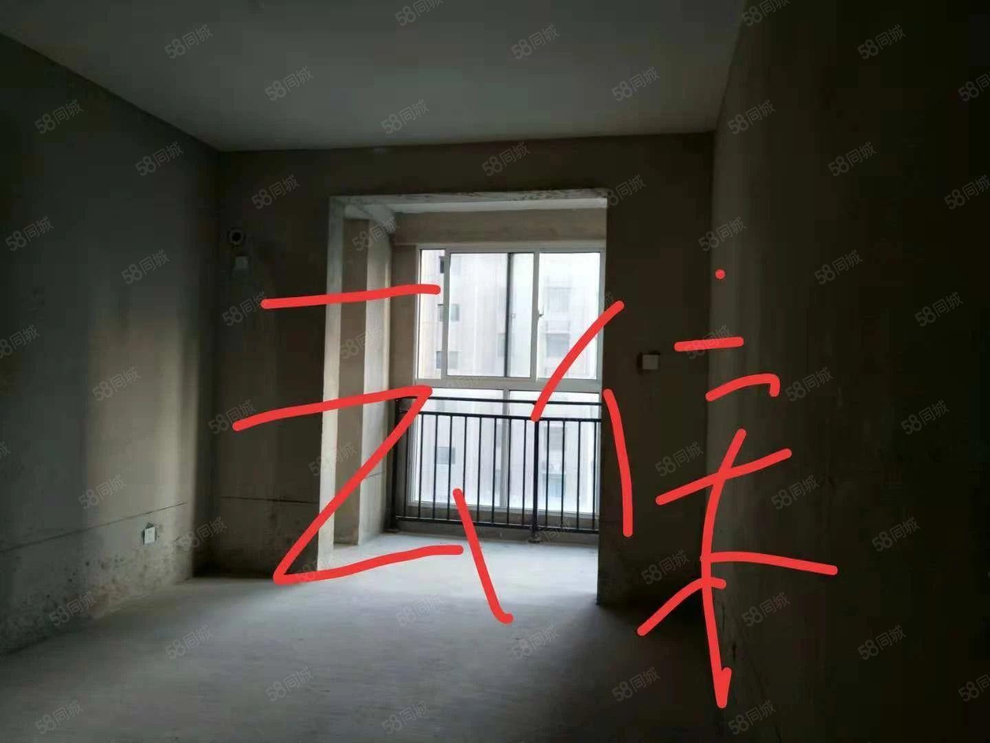 云集市政府对面成熟商圈125平3室2厅2卫毛坯宜居宜商65万