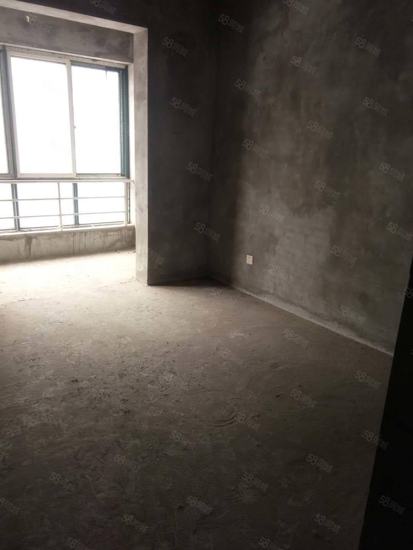 鸿盛家园4楼楼梯房毛坯100平方双证齐全