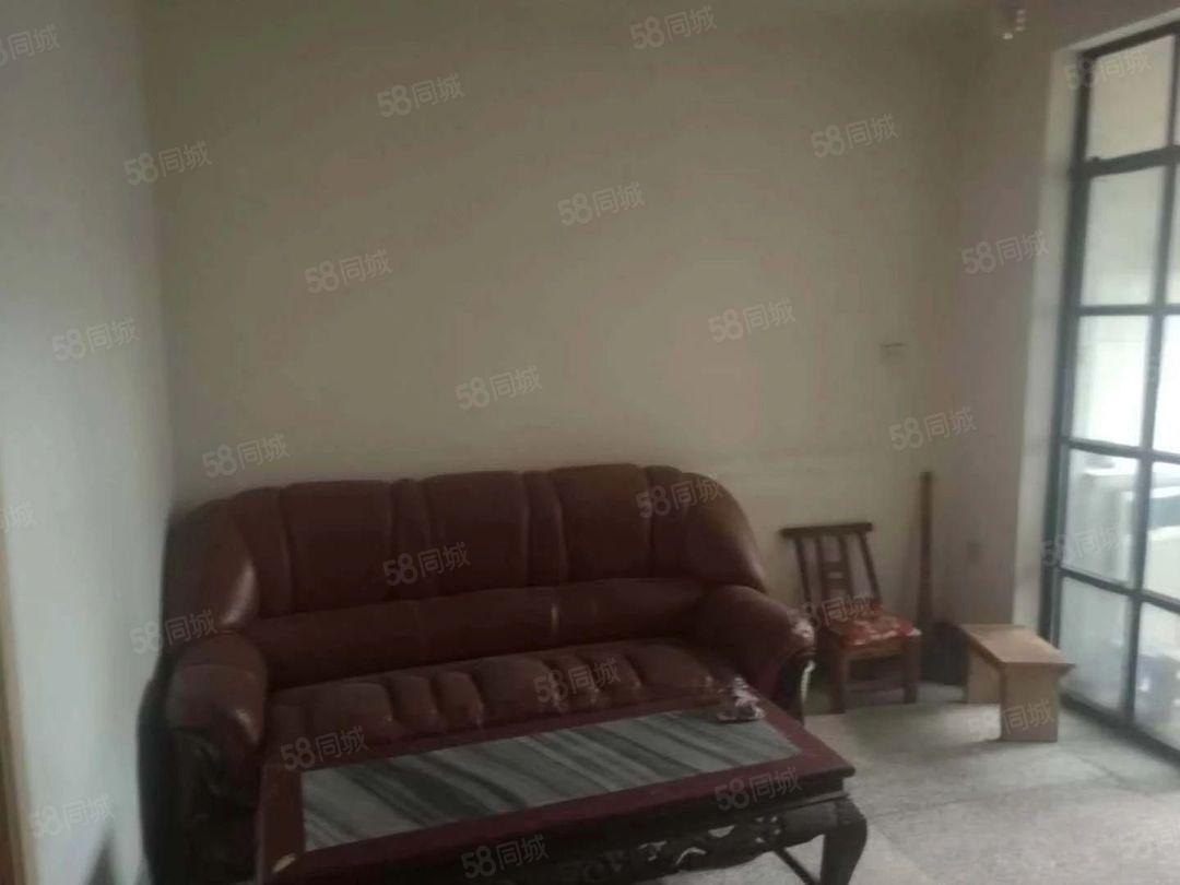 儿童医院旁烟厂F区50平3楼2居室带家具900元