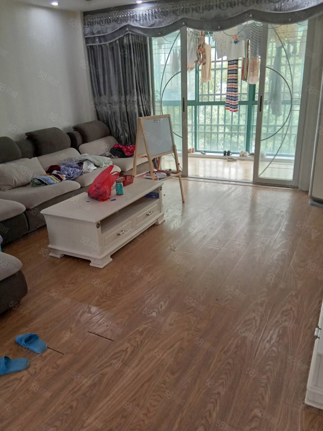 新加坡花园2楼精装83万140平方3室2厅2卫