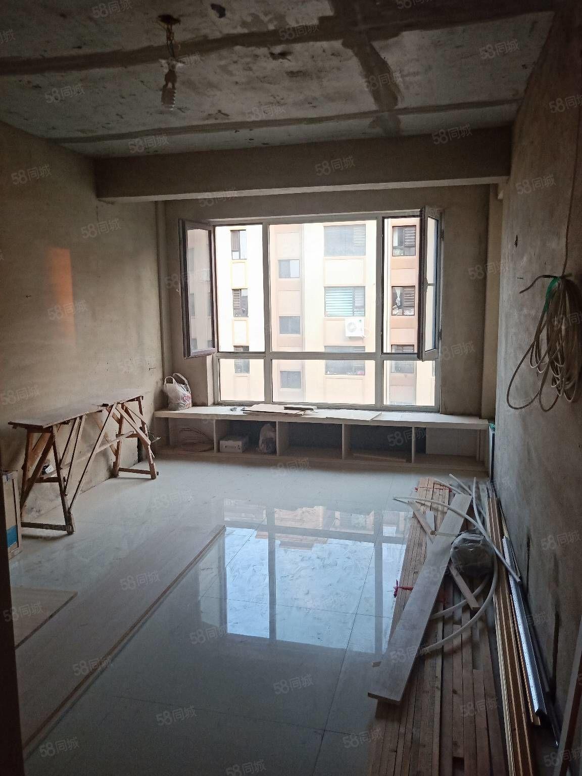 富源城堡住宅3樓兩室一廳半裝修不把山房照滿2年可貸款